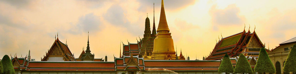 Headline for 6 Must See Attractions in Bangkok - From Wat Phra Kaew to Wat Arun and More!