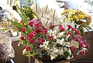 Share Your Delicate Emotions With Fragrant Flowers