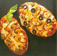 Quick pita pizzas # pita # pizzas #pizza · Food lover's