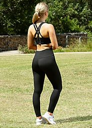 Website at https://www.lasculpte.com.au/activewear-womens-gym-wear/yoga-pants-tights-australia/