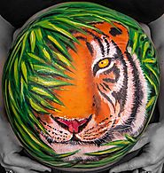 Realistic tiger belly art