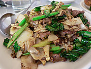 Pad See Eew (thick noodle dish)