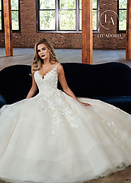 V-Neck Ball Gowns Bridal Dresses in White Color | Style - M680