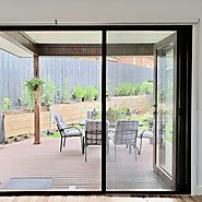 8 Reasons Why You Should Install Retractable Screens In Your Home Now! – Meta Blinds