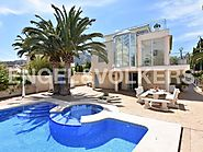 Very luminous villa in the centre of El Albir.