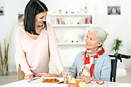 Meal Preparation: How to Help an Elderly Eat Well