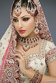 Budgeted Engagement Makeup for Bride