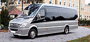 Advantages of Working With a London Minibus Hire With Driver When You Are Traveling