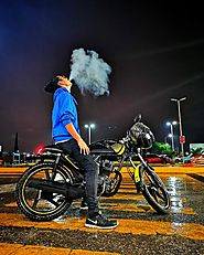 Is it OK to Vape while Driving in Dubai?