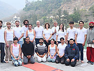 Yoga Teacher Training School in Rishikesh | Yoganandham