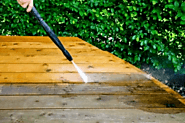 The Many Benefits of using a Pressure Washing Service