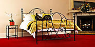 Four unmissable points in decorating a room with wrought iron bed