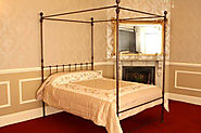Four Poster Beds to Make Your Bedroom Look Awesome