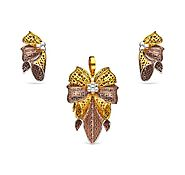 Buy This Alluring And Elegant Italian Pendant Set From Savya Jewels