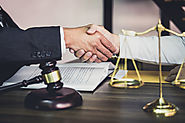 Factors to be considered while outsourcing commercial litigation expert services