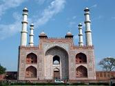 Popular Places To Visit In Agra during Agra Tour by car
