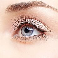 Eyelash Growth Serum: What Works, What Doesn't