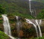 Dhodhani Waterfall Rappelling on 28th and 29th June 2014 with Bhramanti365