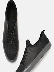 Buy Roadster Men Black Sneakers - Casual Shoes for Men 5524652 | Myntra