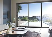 Website at https://www.fenetremeo.com/fenetres/baies-coulissantes-bois-aluminium