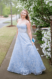 Website at https://www.jolilis.com/collections/cheap-prom-dresses