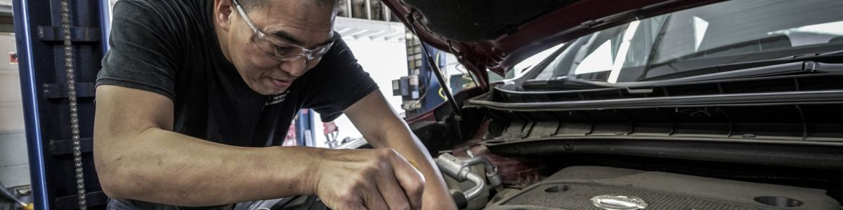 Headline for 11 ESSENTIAL CAR MAINTENANCE TIPS FOR BEGGINERS