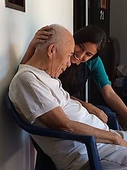 What Is the Difference Between In-Home Care and Assisted Living?