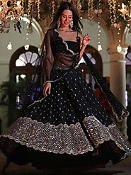 Ethnic Plus Blog | News, Ideas on Buying Indian Traditional Clothes - Black Color is Always in Fashion!