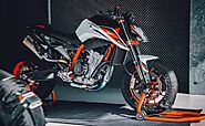 New KTM 890 Duke R Price, Specifications.Video | Images KTM
